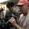 O diretor de Top Gun: Ases Indomáveis, Tony Scott, 68 anos,(foto) comete suicídio, pulando de uma ponte.