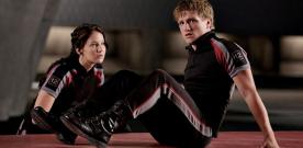 O ator Josh Hutcherson (na foto com a colega de elenco Jennifer Lawrence) já começou a filmar a seqüência de Jogos Vorazes.